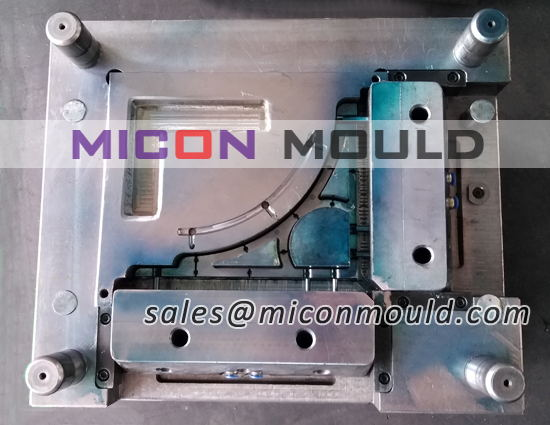triangular bracket mould